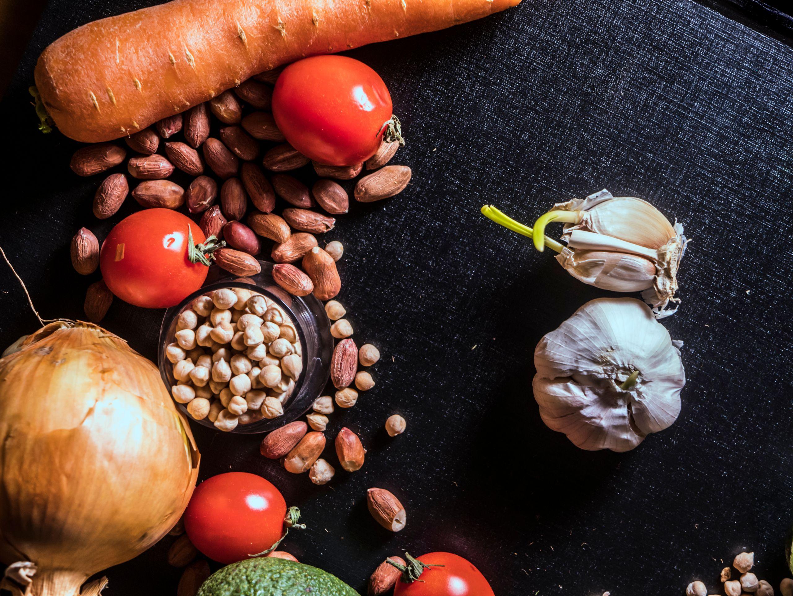 Полезные продукты и здоровое питание: как правильно питаться во время  самокарантина